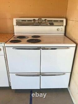 1952 Vintage GE All Original Range/Stove/Broiler Oven, Great Working Condition
