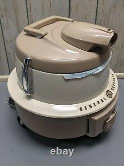 CLEAN General Electric Vacuum Cleaner Swivel Top Vintage Model VIICI3 w Tools