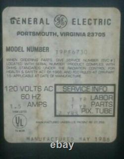 GE Vintage c. 86 General Electric color TV model 19PF6730 19