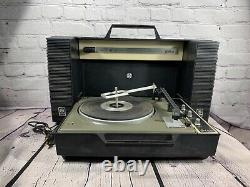 General Electric Wildcat Vintage GE Turntable Portable Record Player WORKING