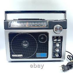 VINTAGE General Electric Superadio II 2 GE Long Range Radio AM/FM 7-2885 TESTED