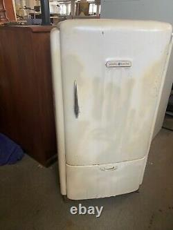 VINTAGE REFRIGERATOR by GENERAL ELECTRIC AS-IS