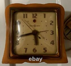 VINTAGE Yellow Catalin Alarm Clock Swirl Art Deco excellent