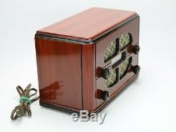 VIntage Old GE 1937 Wood Cabinet General Electric AM SW Tube Radio Model E52