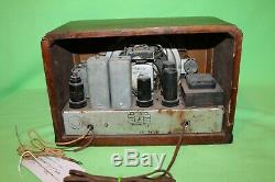 VIntage Old GE 1937 Wood Cabinet General Electric AM SW Tube Radio Model E52