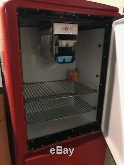 Vintage 1940's GE general electric refrigerator, Runs well