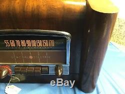 Vintage 1941 GE L-660 Tube Radio Police Band Walnut Case Car Dashboard Design