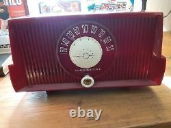 Vintage 1950s General Electric Model Red Bakelite Tube Radio