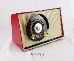 Vintage 1959 GE Atomic working tabletop tube radio