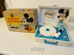 Vintage 1970s Disney Mickey Record Player GE Youth Phonograph with ORIGINAL BOX