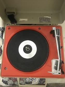 Vintage 70s General Electric GE Automatic Portable Solid State Record Player