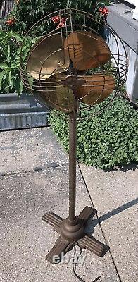 Vintage Art Deco General Electric Floor Pedestal Oscilating Fan