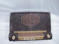 Vintage GE model 422/404 Bakelite Case Tube Table Radio General Electric
