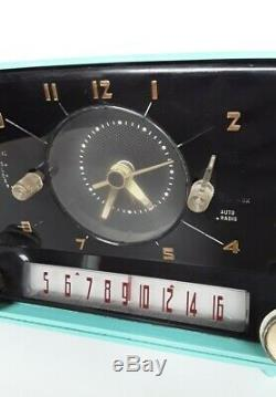 Vintage General Electric C-416C Turquoise Working Clock Tube Radio 1958 Retro