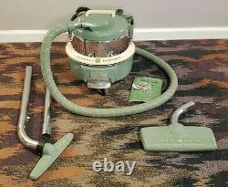Vintage General Electric GE Automatic Cord Reel Green Vacuum Model C-7