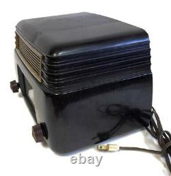 Vintage General Electric Model 202 Tube Radio Art Deco Bakelite WORKS GREAT