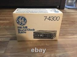 Vintage General Electric Radio Flip Clock Number Model No. 7-4300 NIB new in box