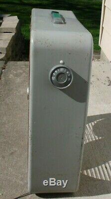 Vintage General Electric Reversible 3 Speed Metal Box Fan