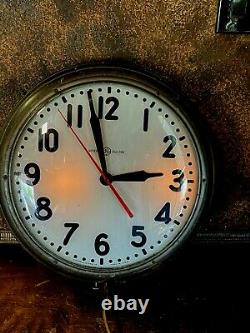 Vintage Large GENERAL ELECTRIC WALL CLOCK School Industrial Lighted w Glass Face