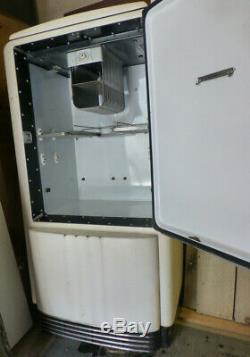 Vintage Refrigerator (1939-'40) General Electric Type B5-39-a, Still Runs