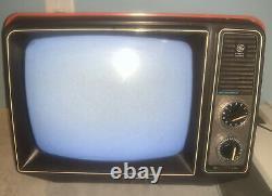 Vintage Television GE General Electric Performance Portable TV 12XB9104T Orange