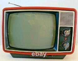 Vintage1981 GE General Electric Performance Portable Television B/W 12 TV