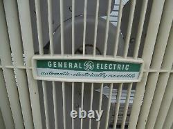 Vtg General Electric DELUXE AUTOMATIC Reversible 3 Speed Metal Box Window Fan