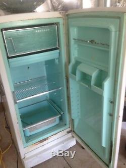 1969 Réfrigérateur Cru General Electric. État D'occasion