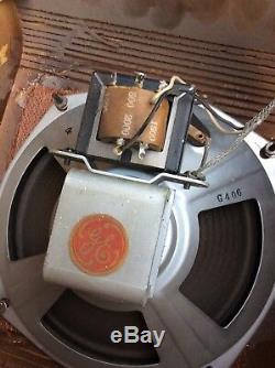 26 Vintage General Electric 8 Haut-parleurs D'origine Bois Armoires Murales Très Bon