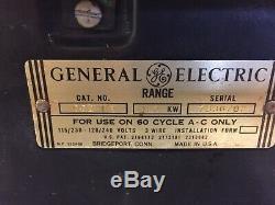 50 Vintage General Electric Stove. Un Seul Four. Fonctionne Très Bien. Bonne Condition