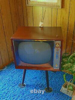 50s / 60s Ge 21t060 Télévision À Tubes Anciens Télévision Générale Électrique Pièces Locales