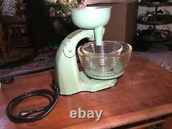 Antique/vintage General Electric Hotpoint Mixer/juicer Olive Green & Works