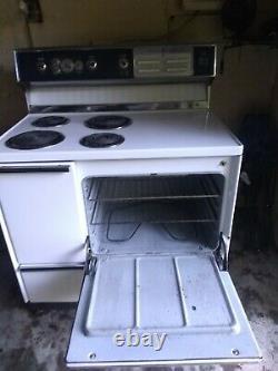 Gamme Vintage General Electric Oven Avec Tiroirs De Rangement