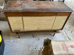 Général Electric Vintage MID Century Modern Stereo Console Record Player Radio