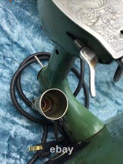 Modèle Vintage General Electric Ge Green Machine À Coudre Un Type De Plumes