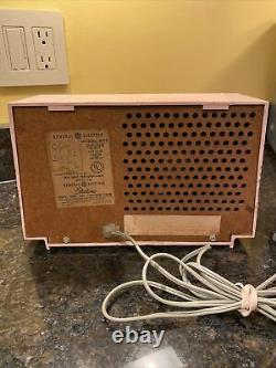 Rare Vintage Rose Ge Modèle 877 Radio Entièrement Fonctionnant General Electric