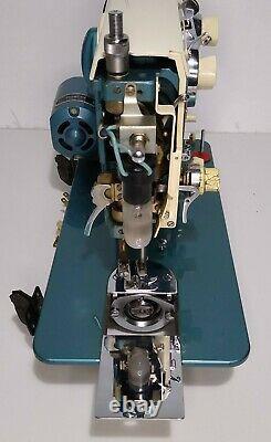Universal Azz Super Zig Zag Vintage Machine À Coudre Blue W Pedal Testé & Works