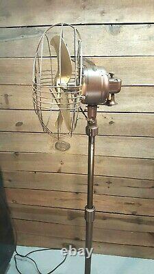 Ventilateur De Piédestal Oscillant Vintage General Electric Des Années 1940. Art Déco