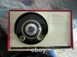 Vintage 1959 Ge Radio De Table De Travail Atomique