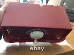 Vintage Années 1950 General Electric Model Red Bakelite Tube Radio