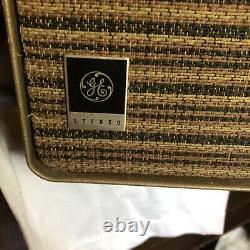 Vintage Circa 1962 General Electric Rp2051 Tube Amp Record Player