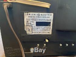 Vintage Couleur Ge Général Crt Électrique Vacuum Tube Tv Tabletop, Retro Travail