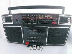 Vintage General Electric Am / Fm Stéréo Boombox Modèle 3-5452a Lecteur Cassette Travail