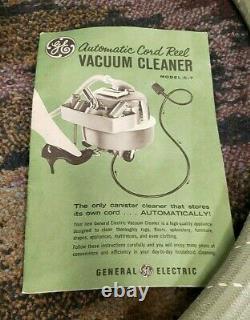 Vintage General Electric Ge Automatic Cord Reel Green Aspirateur Modèle C-7