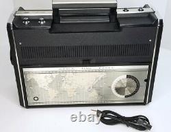 Vintage General Electric P4990a World Monitor Multiband Ac-dc 12-band Radio Nice