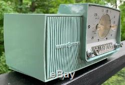 Vintage General Electric Tube Clock Radio MID Century Modern Turquoise C-481a