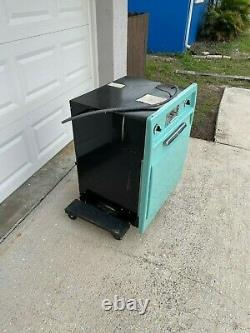 Vintage General Electric (ge) Wall Oven Circa 1957 Turquoise
