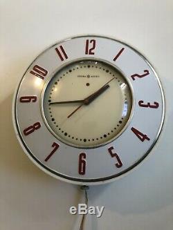Vintage MID Century General Electric Red & White Modèle 2h26 Cuisine Horloge Murale