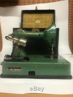 Vintage Standard Sewhandy Machine À Coudre Par General Electric Early Émail Vert