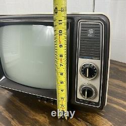 Vintage Television 1979 Ge General Electric Performance Portable Tv 12xb9104v